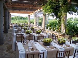 wolffer estate vineyard sagaponack ny rustic wedding guide