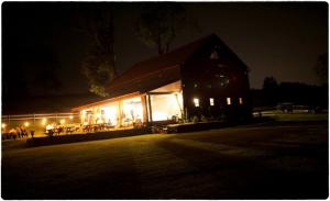 Apple Barn Farm - Germantown NY - Rustic Wedding Guide