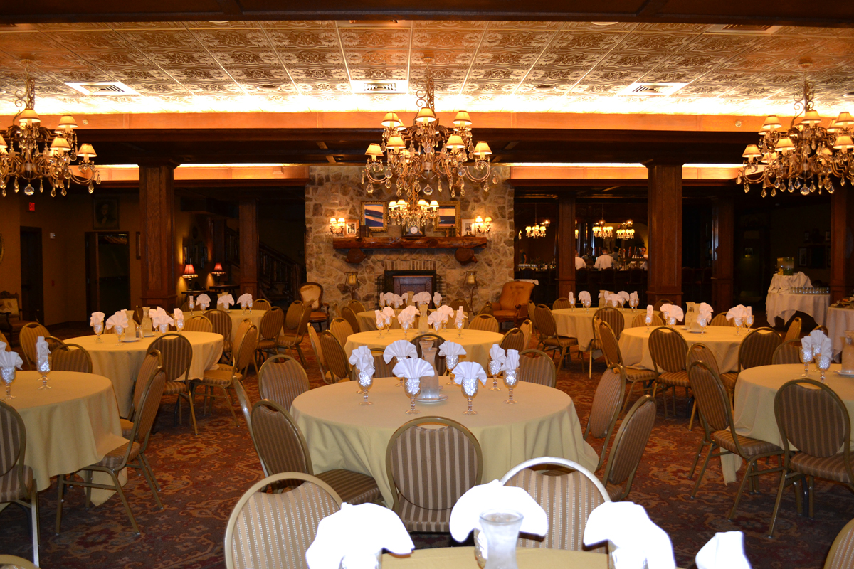 The Crystal Room Wisconsin Dells Wi Rustic Wedding Guide