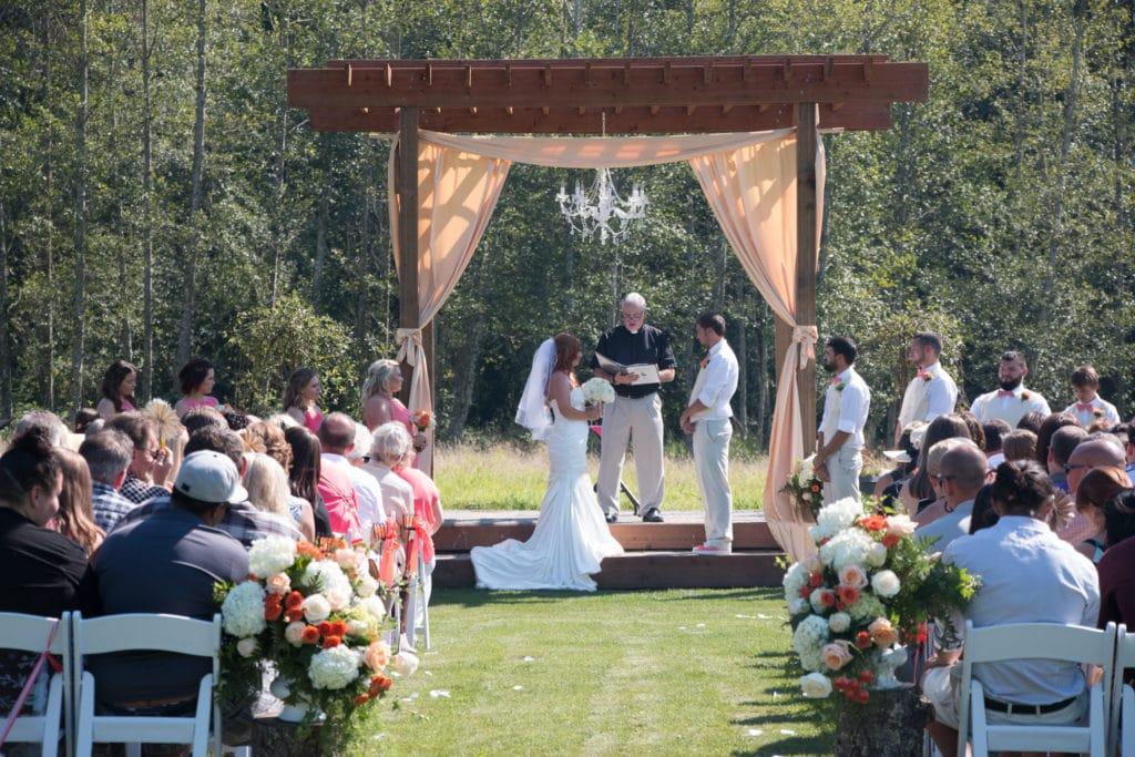 Brookstom Creek Buckley Wa Rustic Wedding Guide