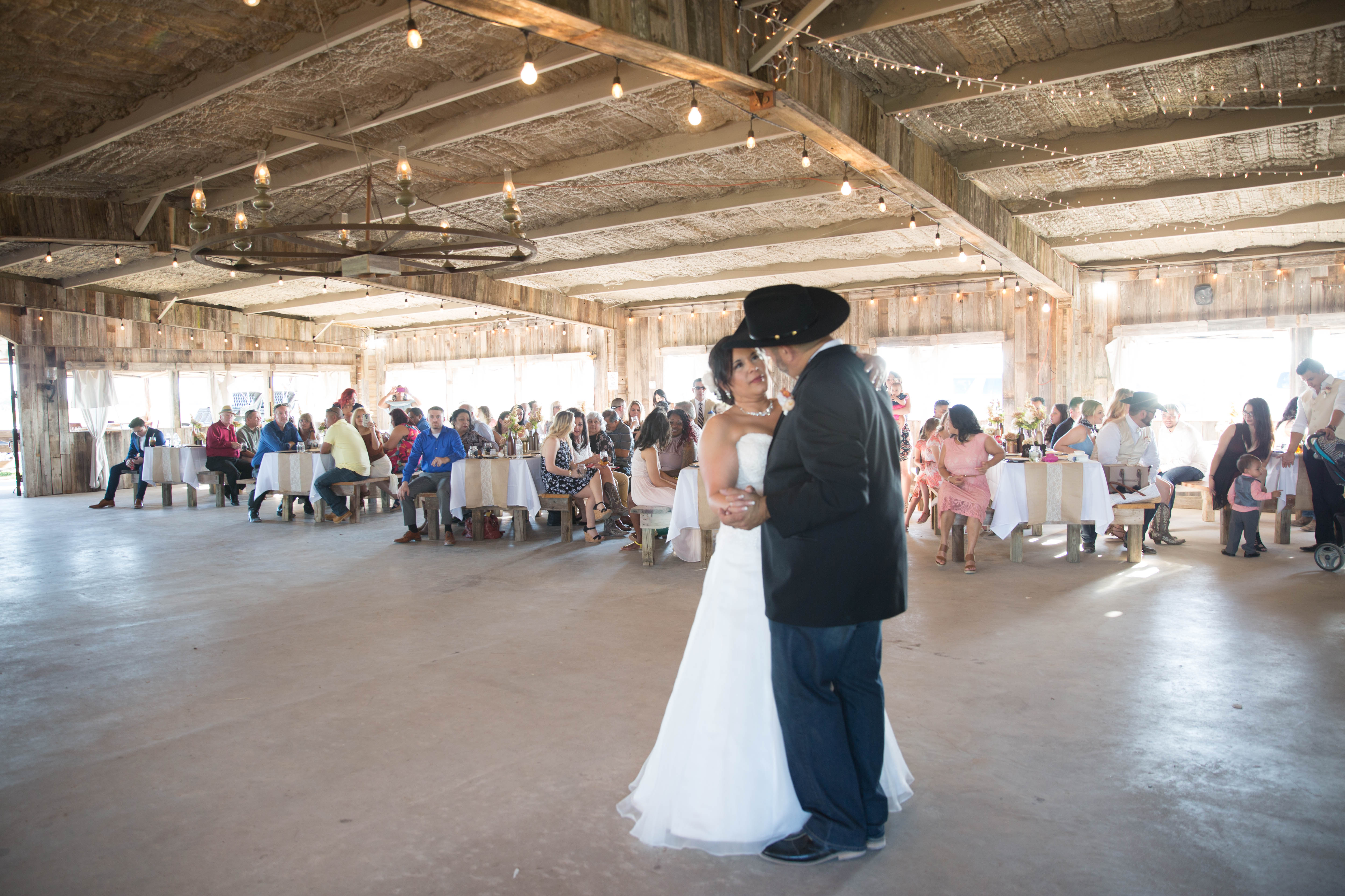 The Carriage House At Magnolia Flatts Ranch - Katy TX - Rustic Wedding Guide