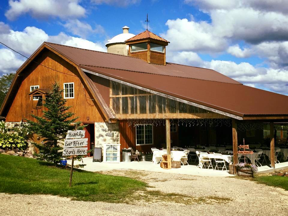 Cedar Hill Barn Markesan Wi Rustic Wedding Guide