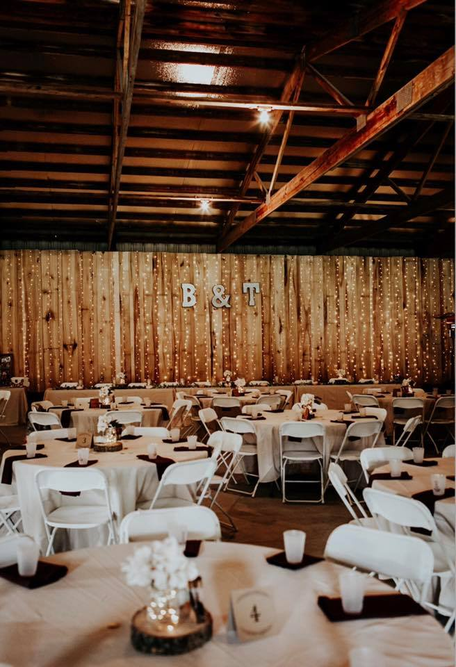 Acorn Ridge Reception Barn - Sullivan IN - Rustic Wedding ...