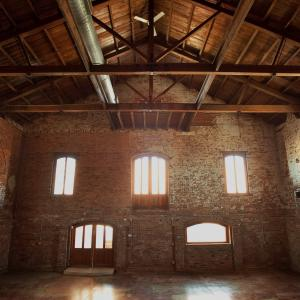 The old cigar warehouse greenville sc rustic wedding guide the old cigar warehouse junglespirit Choice Image
